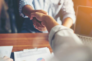 چگونه یک مشاور املاک موفق باشیم