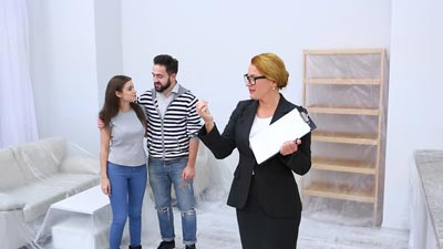 سرویس دادن مشاور املاک